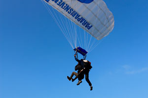 ECOLE PARACHUTISME PARIS NEVERS